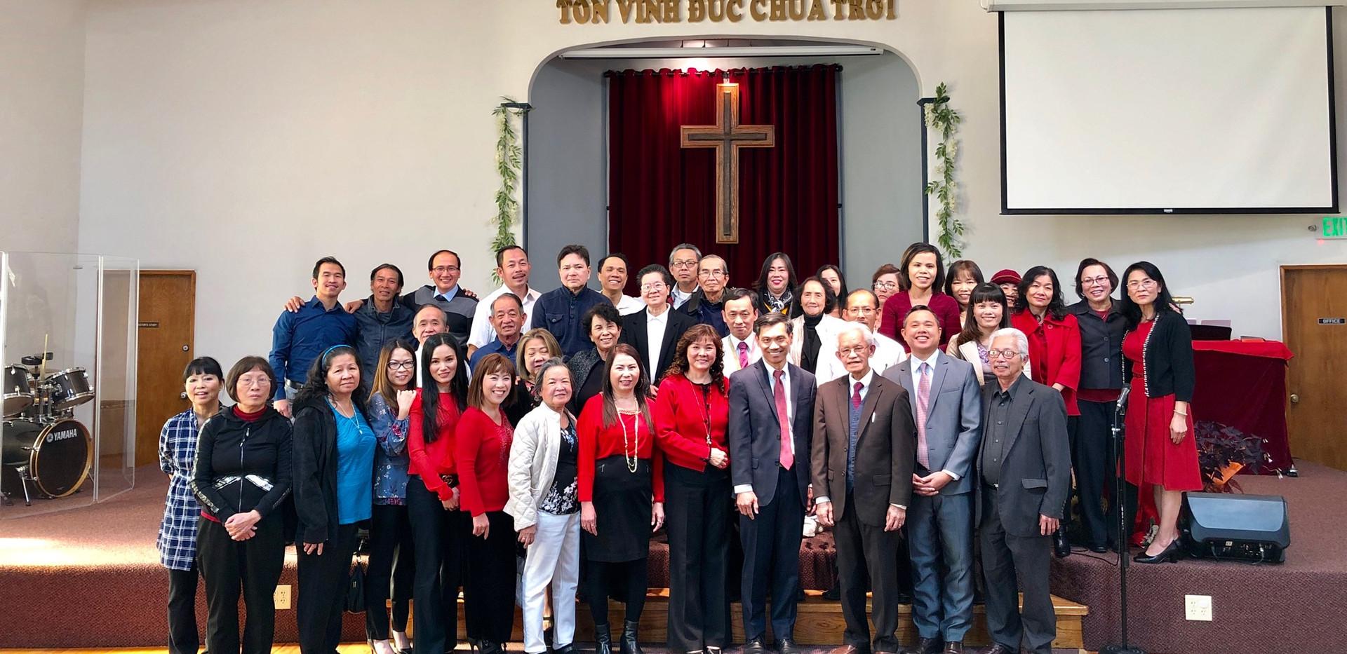 ChurchMemebersGroupPhoto.jpg