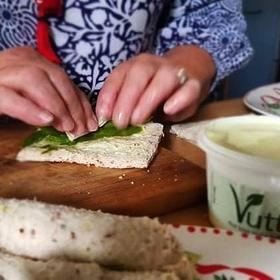 Vutter & Asparagus rolls