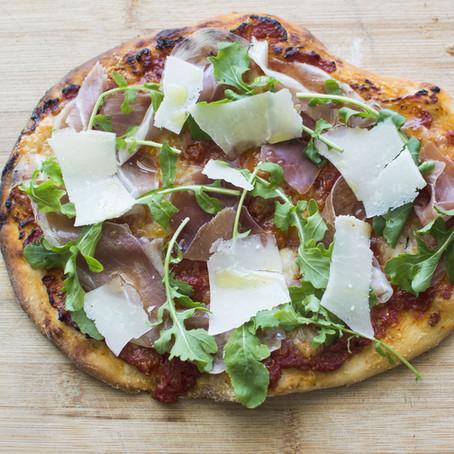Pizza with Buffalo Mozzarella, Rucola, Prosciutto Crudo and Shaved Parmesan
