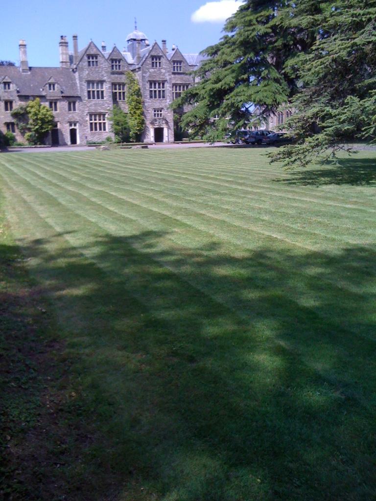 large lawn cutting bristol