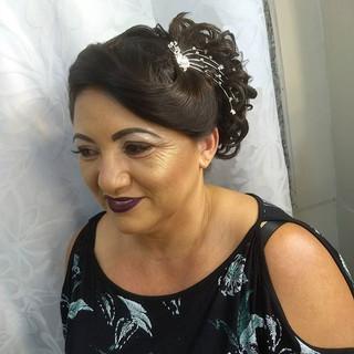 Penteado Ateliê Larissa Ferreira