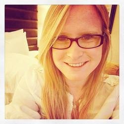 Good Morning! #girl #glasses #morning #workmeeting