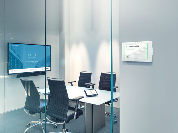 Crestron Huddle room with Scheduling Pan