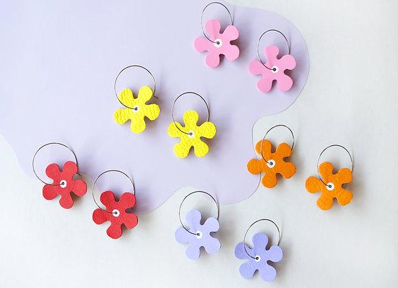 Full Bloom Daisy Hoop Earrings