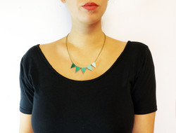 Pennant Flag Necklace in Purple/Teal