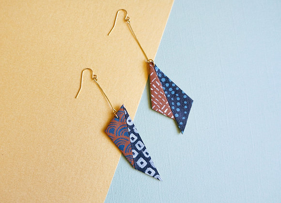 Asymmetrical Origami Hitaishou 非対称 Earrings