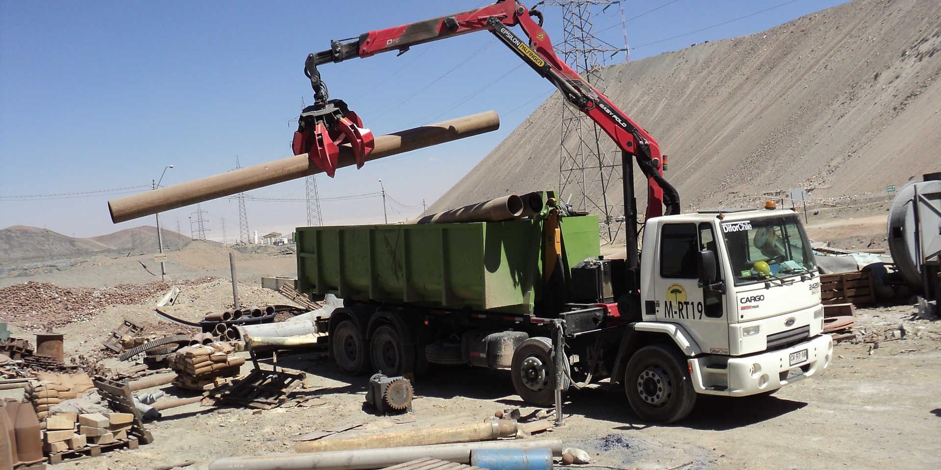 Limpiando Patio de Salvataje Codelco Chuquicamata