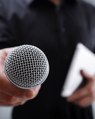 interview-with-microphone-PRUZAH7.jpg