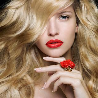 mc-shot01Ivana-Lipswebsharp.jpg