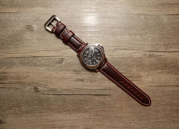 Oiled Vintage Leather Strap in Radish Brown