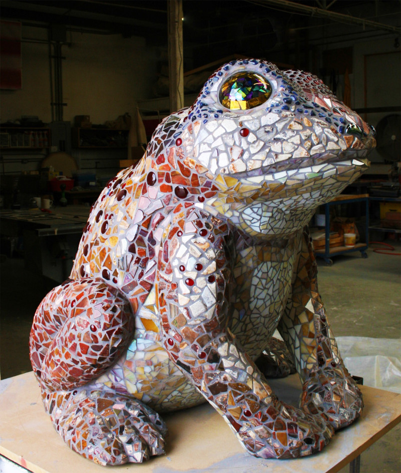 Mosaic toad frog sculpture in Imperial, California