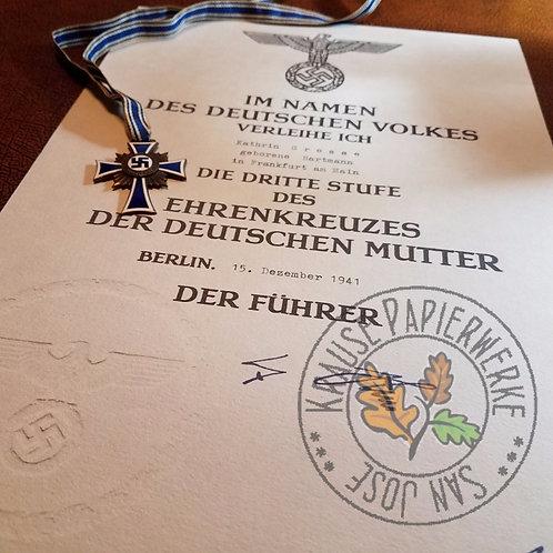 Veleihungsurkunde/Besitzzeugnis für Ehrenkreuz der Deutschen Mutter - reproduction from Krause Papierwerke