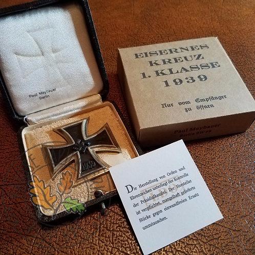 Iron Cross 1st Class carton - Paul Meybauer, Berlin (Eisernes Kreuz 1. Klasse)