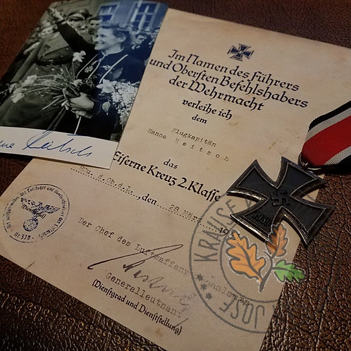 Iron Cross 2nd Class (Eisernes Kreuz 2te Klasse) for Hanna Reitsch - award certificate/document/citation and signed photo