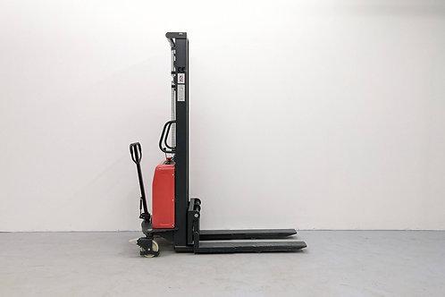 SPNT1035 - Semi Electric Thin Leg Stacker 1000 kg (2204 lbs) + 138'' Capacity