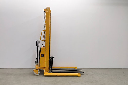 SPN1035E - Semi Electric Wide Leg Stacker 1000 kg (2204 lbs) + 138'' Capacity
