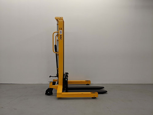 SYCW118 - Wide Leg Hydraulic Stacker 1000 kg (2204 lbs) + 118'' Capacity