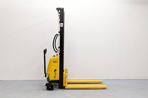EMS1035 - Semi Electric Thin Leg Stacker 1000 kg (2204 lbs) + 138'' Capacity