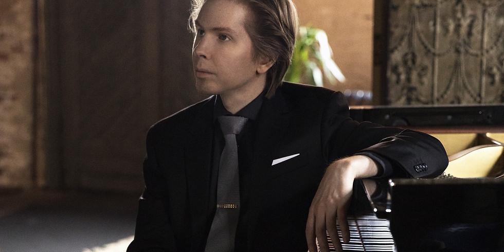 Juho Pohjonen, Piano