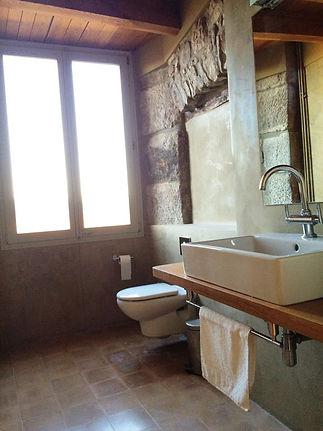 Spain Retreat Bathroom.jpg