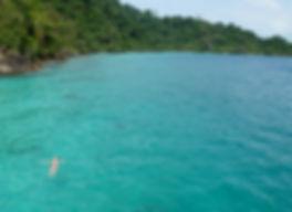 tyrkis blå hav