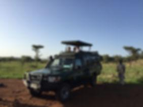 tanzania safari jeep