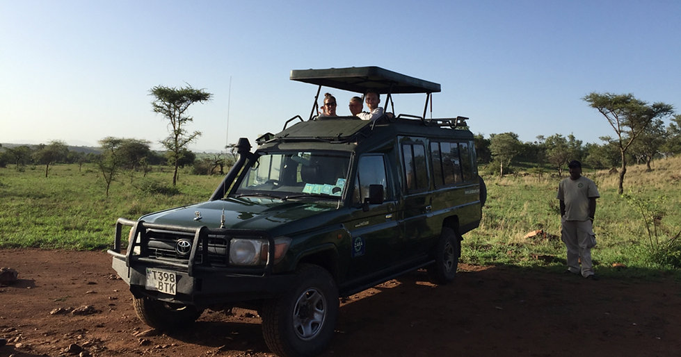 safari jeep tanzania