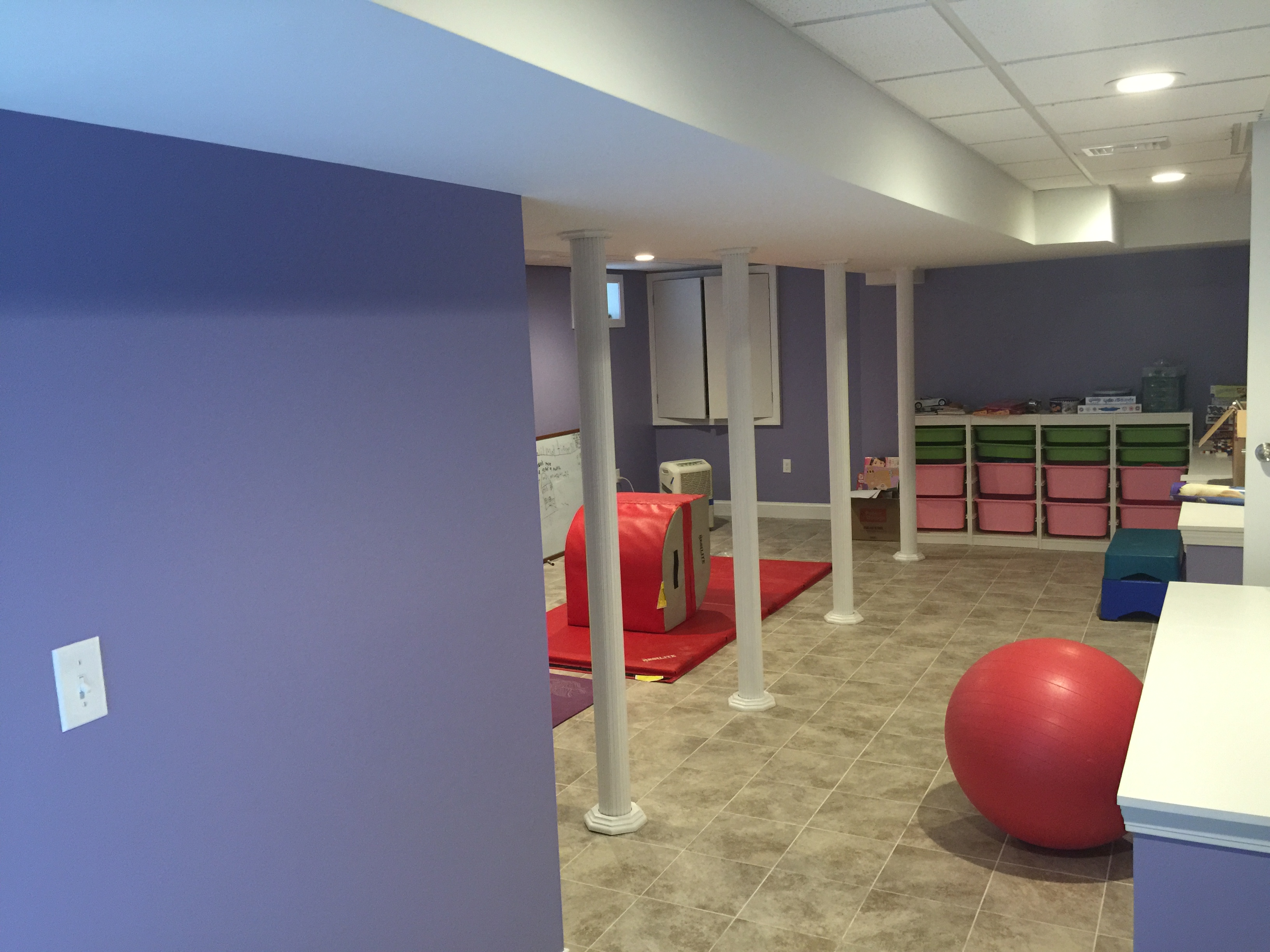 Finished-basement-kids-playroom2