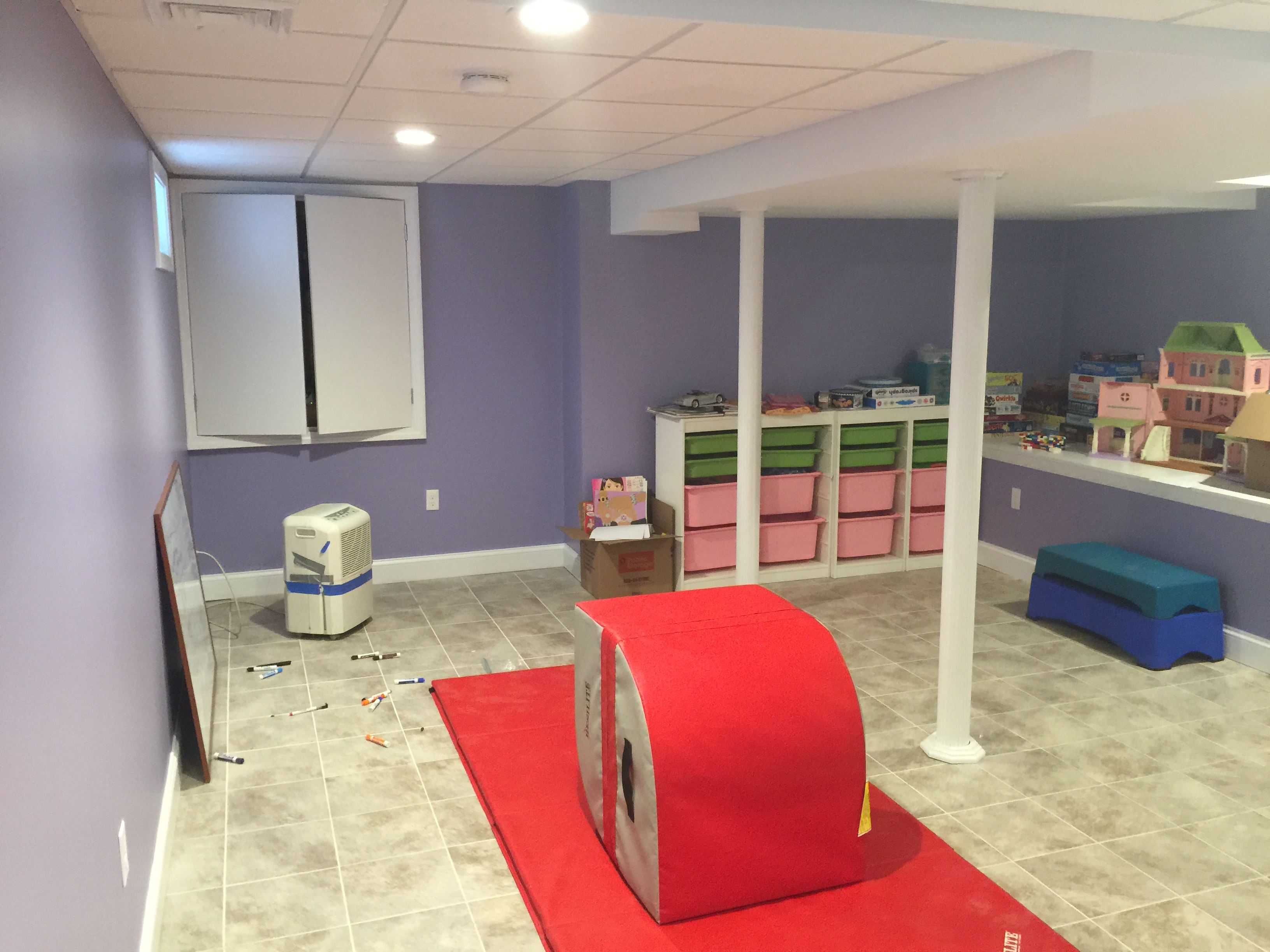 Finished-basement-kids-playroom4