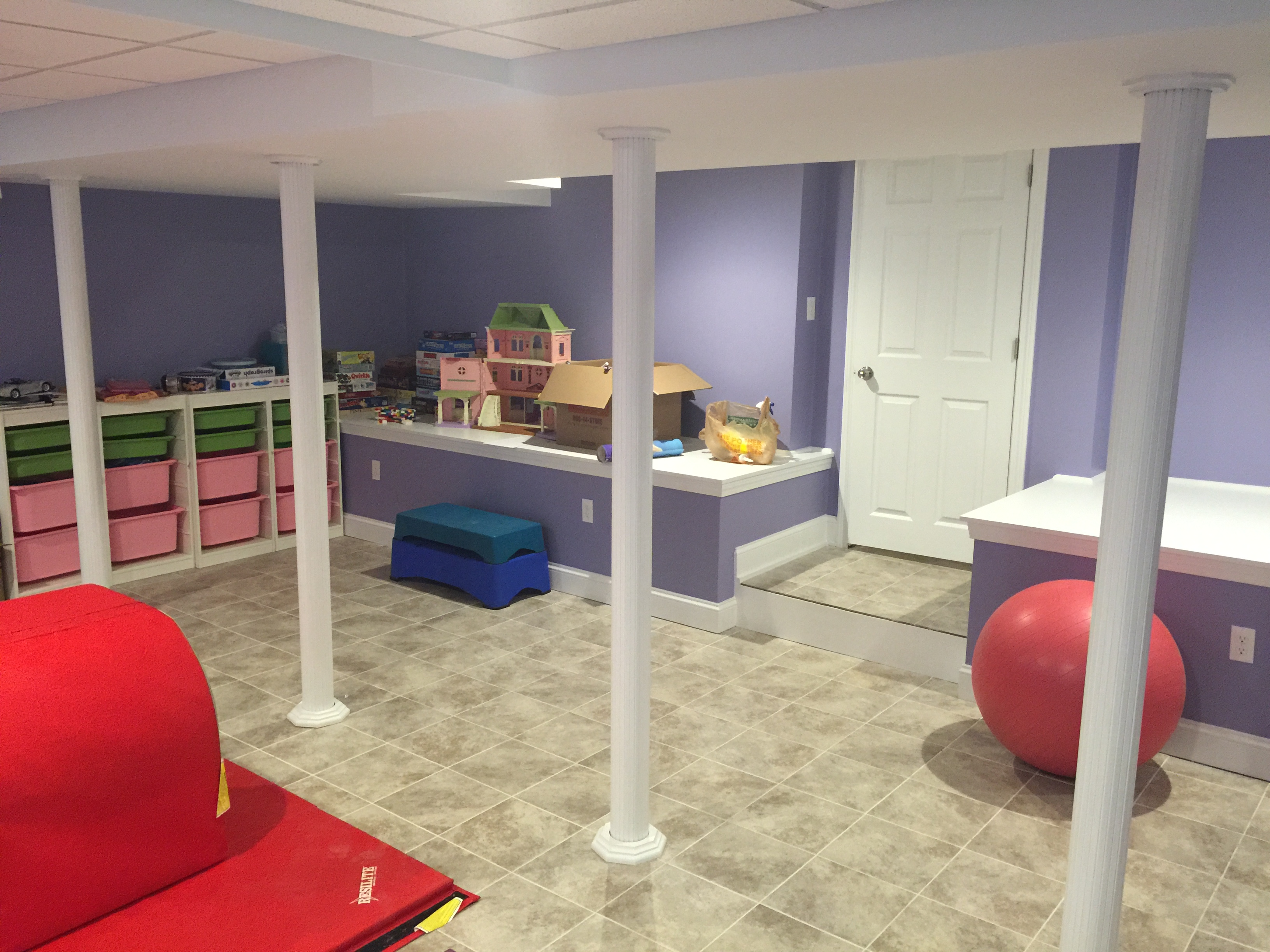 Finished-basement-kids-playroom