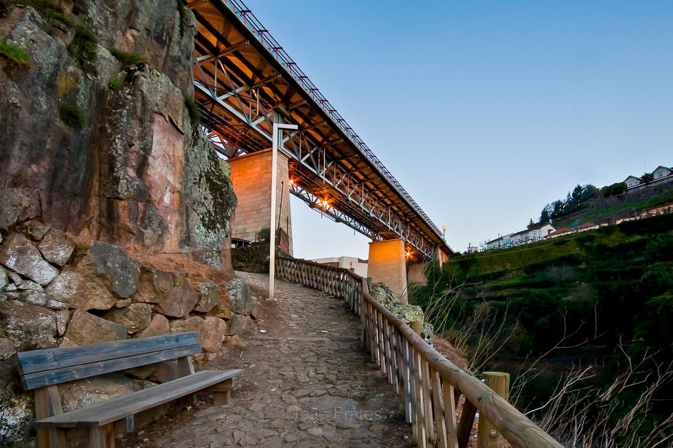 Ponte sobre o Rio Corgo