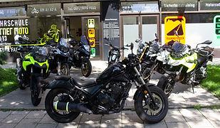 bikes assem.jpg