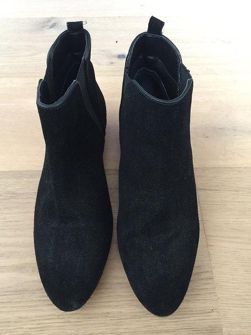 Bottillons noirs sans talon P39 - 10681