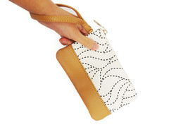 Teh 2-Tone Wristlet