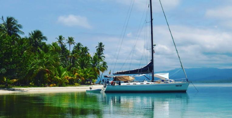 Polinesia Francesa Estancia en barco deportivo