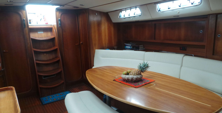 Velero de cabina finot 53 Polinesia Francesa