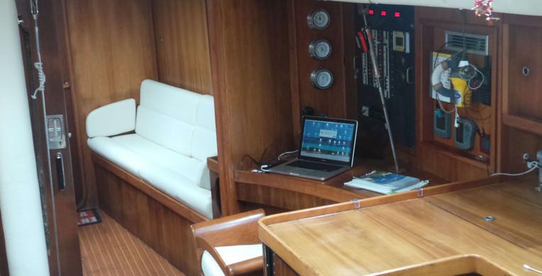 Cockpit sailboat finot 53 French Polynesia