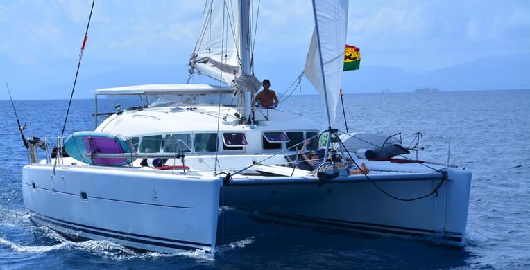 Mari catamaran lagoon 410