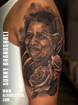 mother-tattoo-realistic-portrait-tattoo-