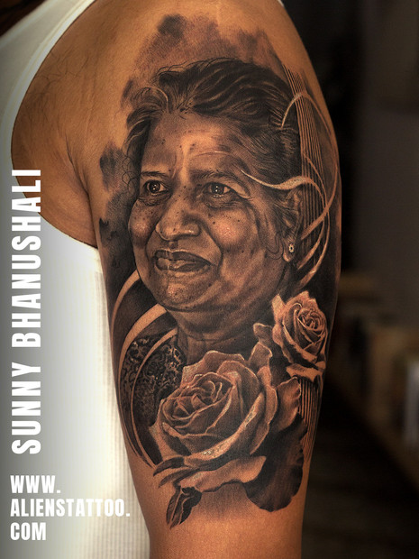 mother-tattoo-realistic-portrait-tattoo-