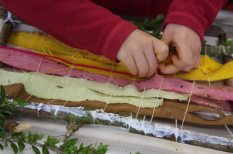 Natural dyed weaving (age 5)