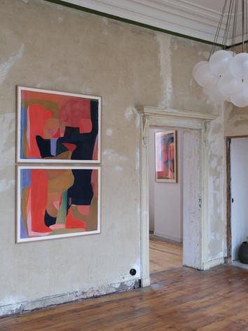 """Vue de l'exposition de Caroline Denervaud, intitulée """"Du Geste à la Couleur"""", à St Vincents, Anvers"""