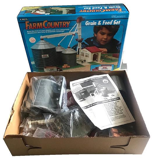 1993 Vintage ERTL 1:64 Scale Farm Country Grain & Feed Set Toy
