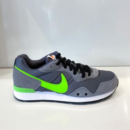 Nike Venture Runner