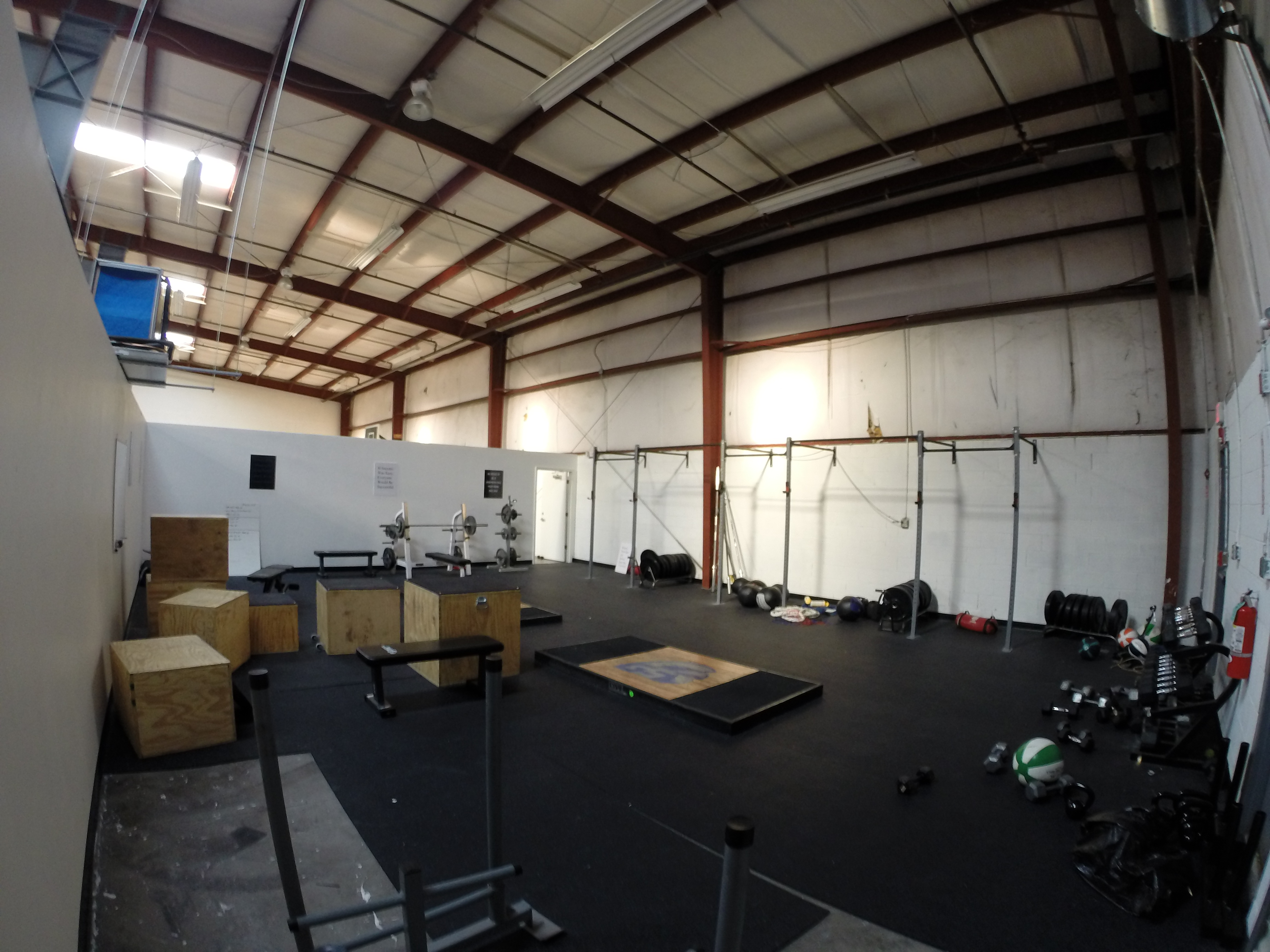 WEIGHT LIFTING AREA