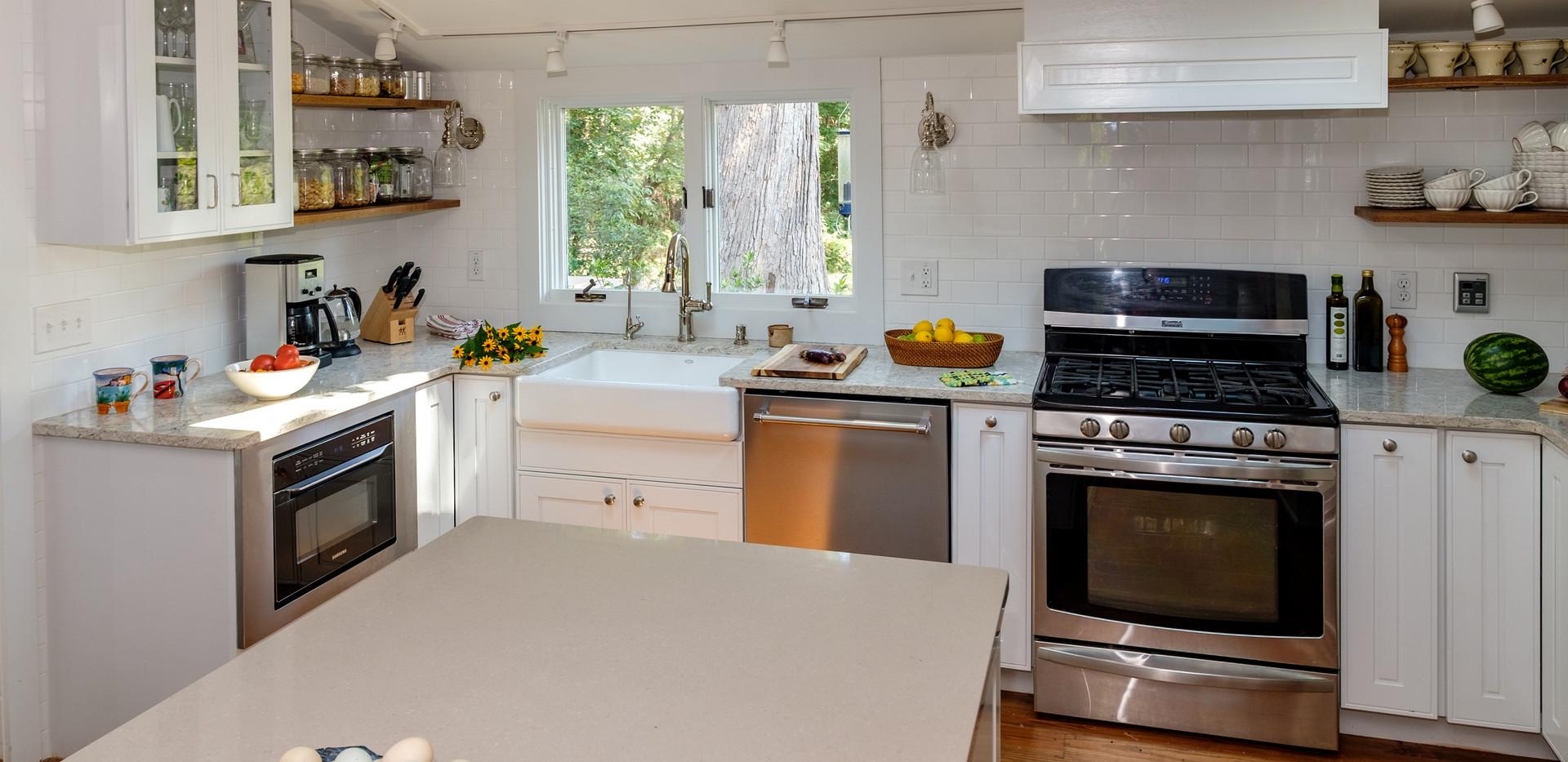 Kitchen - angled shot.jpg