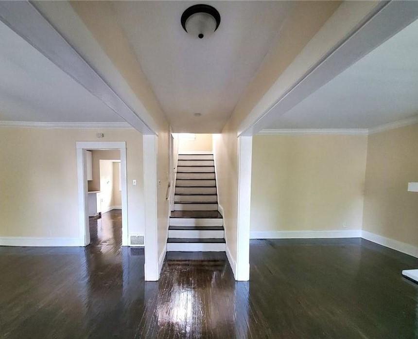1354-Penhurst-Living-Room.jpg