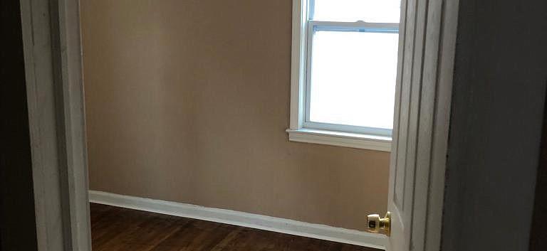 13515-Griggs-Bedroom-2.jpg