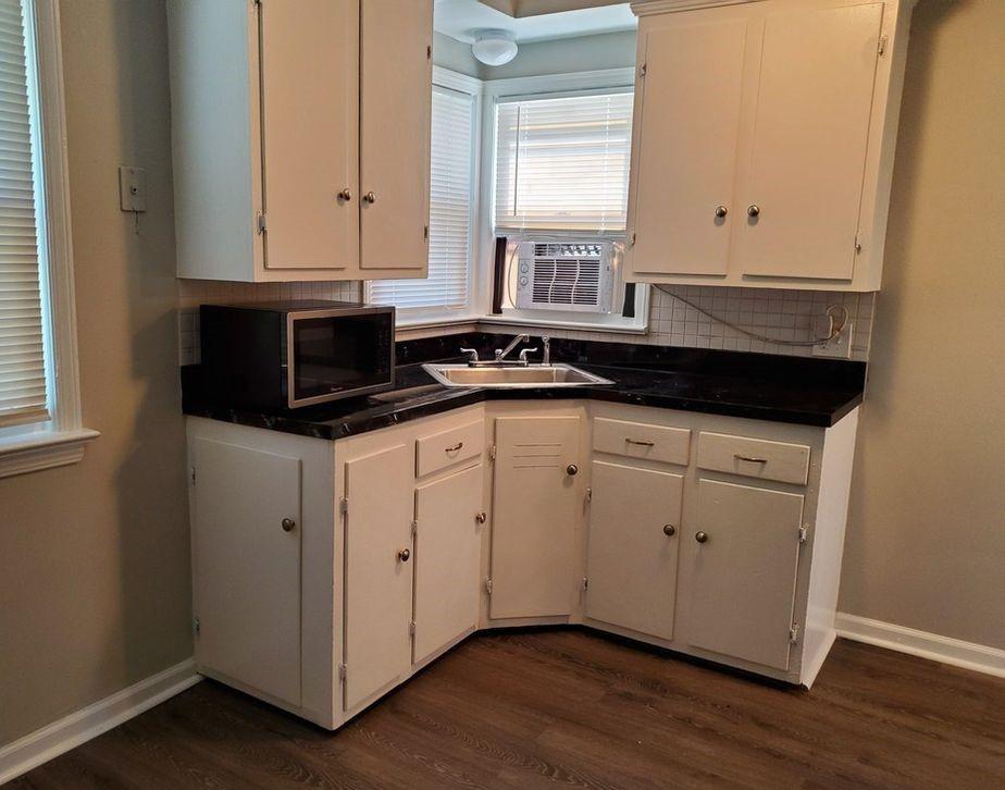 1354-Penhurst-Kitchen.jpg