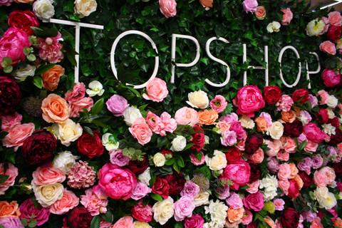 Topshop Rose Flowerwall